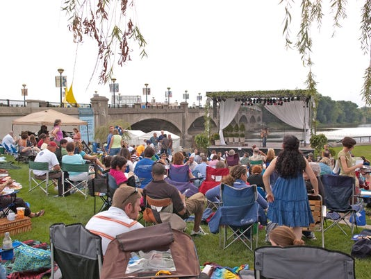Shakespeare on the Canal