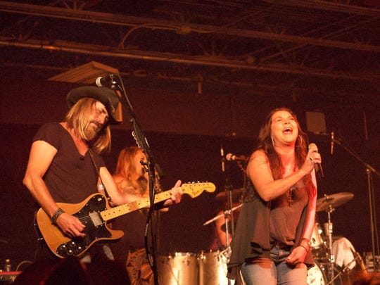 Gretchen Wilson performed July 8 at The Ranch Concert Hall & Saloon in Fort Myers.