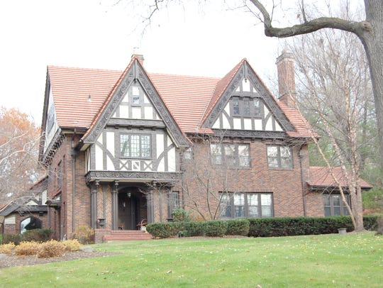 This Des Moines home sold for $1 million.