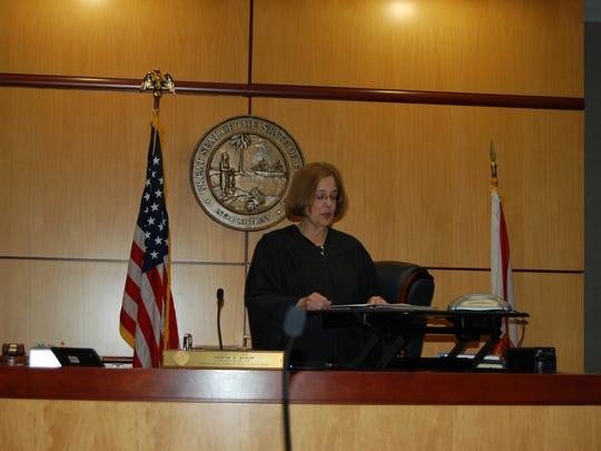Circuit Judge Judith Atkin honors the veteran mentors in Veterans Court.