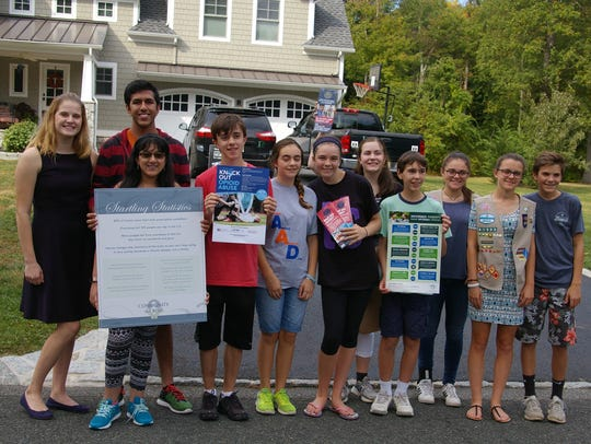Youth volunteers assist Community in Crisis in Bernards