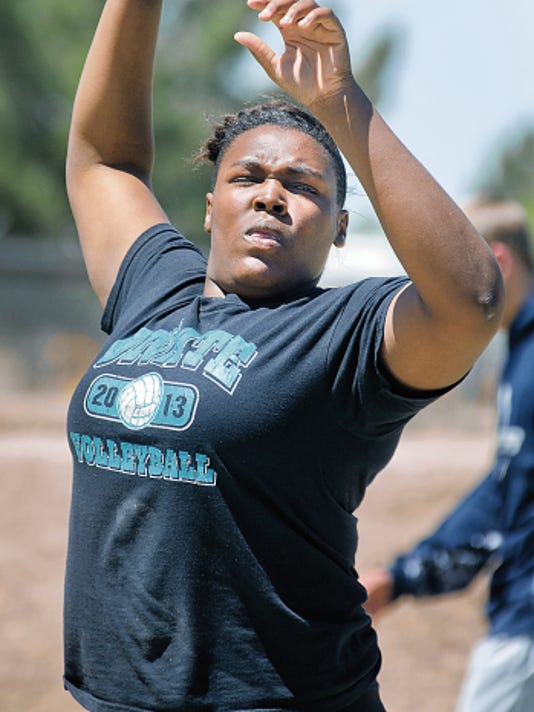Gary Mook/For the Las Cruces Sun-News   Oñate's Yemisi Oroyinyin signed with New Mexico State on Friday.