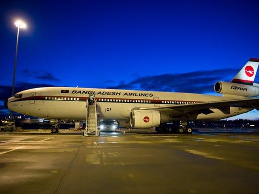 The DC-10 makes its final scheduled passenger flight