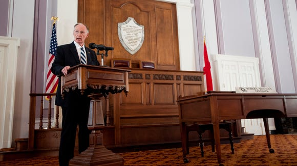 Governor Robert Bentley announces that he will create an advisory council on gaming in Alabama during a news conference in the state capitol building in Montgomery, Ala., on Monday October 3, 2016.