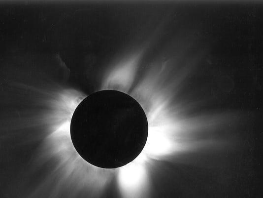 636386640073418947-eclipse.jpg