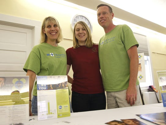 how to get on the bone marrow registry