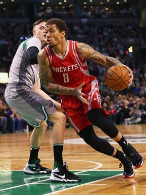 The Milwaukee Bucks acquired Michael Beasley from the Houston Rockets on Thursday.