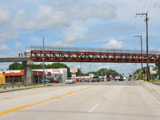 Bicycle/pedestrian bridge over Garden Street in Titusville