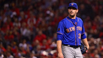 Matt Harvey curses at reporters, refuses to discuss bullpen failure