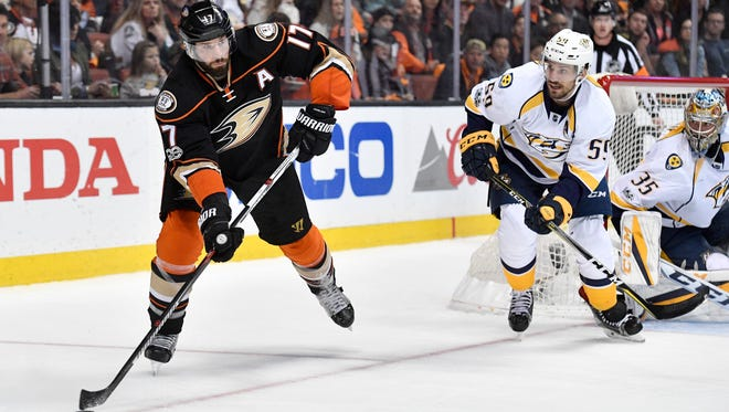 Ducks center Ryan Kesler (17) moves the puck behind the Nashville goal during the second period of Game 2 of the Western Conference finals at Honda Center on Sunday, May 14, 2017.