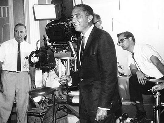 Jay Sandrich, right, on the set of 'Make Room for Daddy'