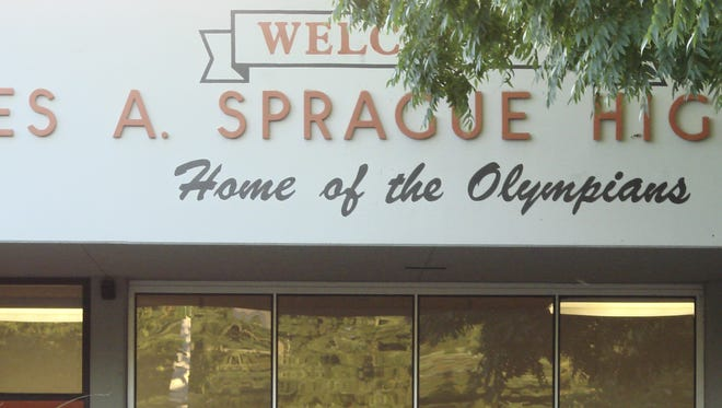 Students arrive early at Sprague High School in 2008.