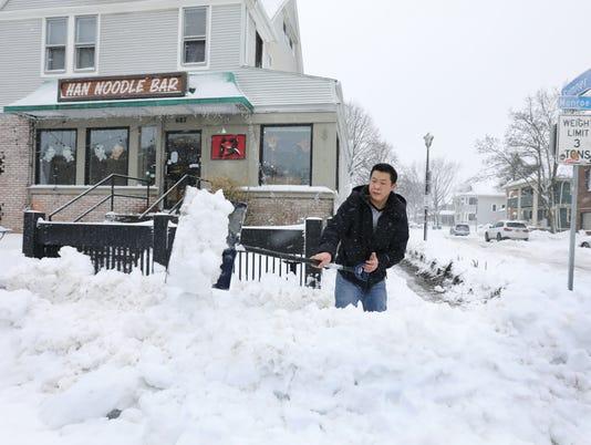 636555899008948616-March-snow-02.jpg