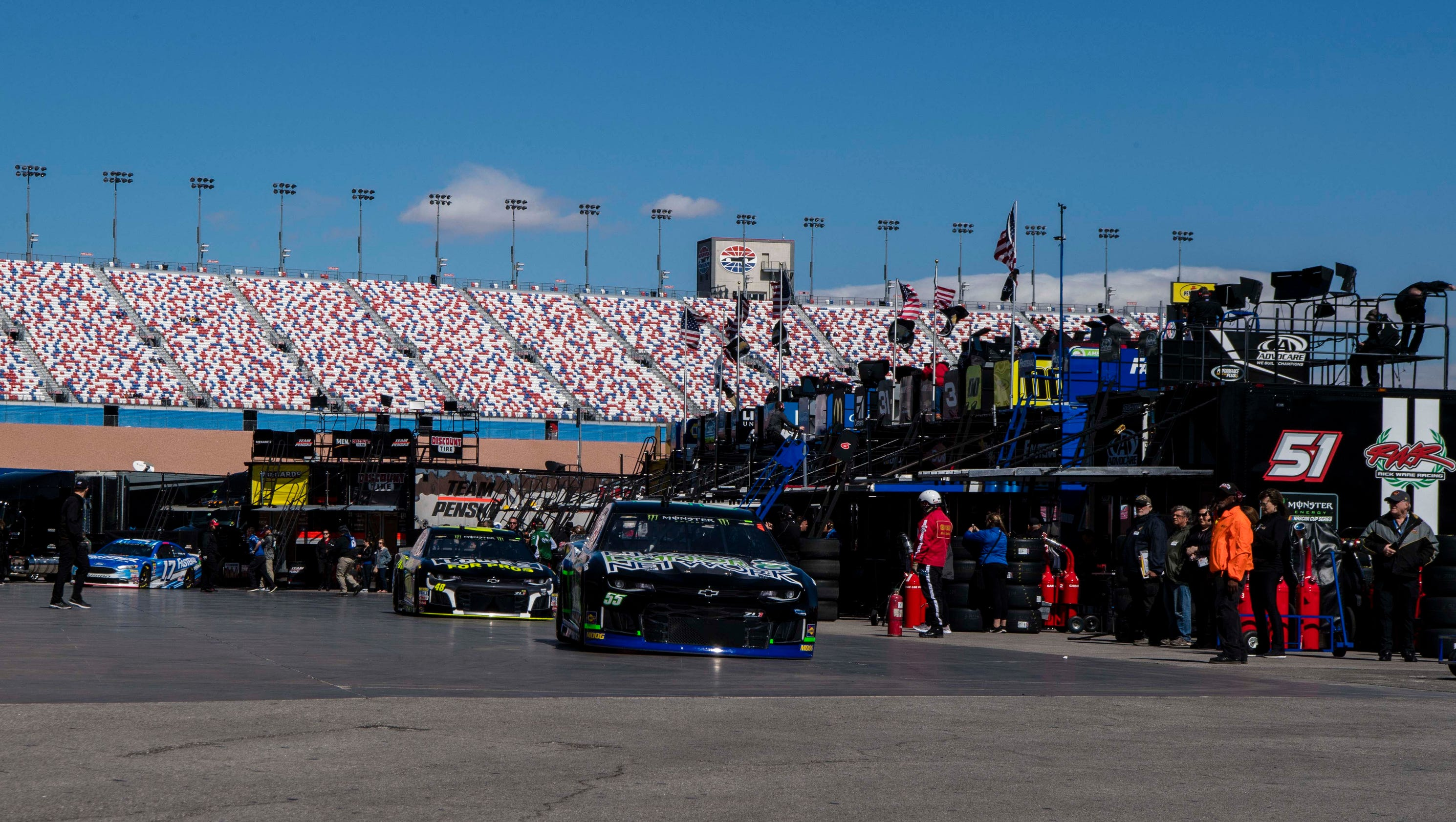 What time does the 2018 nascar cup race at las vegas start for Las vegas motor speedway open track days