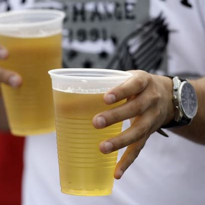 New menu labeling rules from the Food and Drug Administration will require chain restaurants with 20 or more outlets to list the amount of calories in alcoholic drinks on menus.