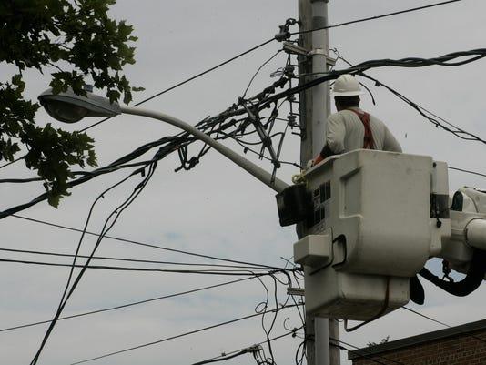 -ASB freehold wires across road 071614d.jpg_20140716.jpg