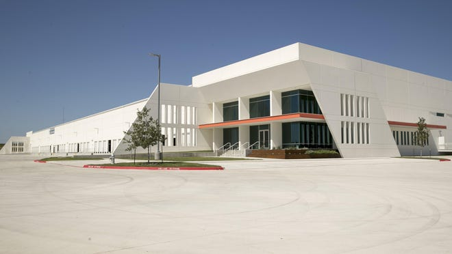SmileDirectClub has called off plans for a manufacturing facility at the Hays Logistics Center in Kyle.