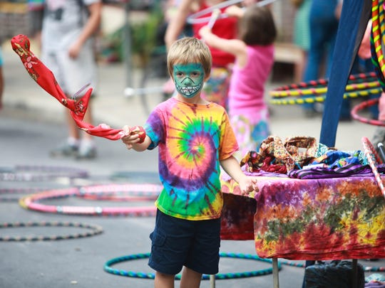The resurrected LAAFF festival received a great turnout in 2014. LAAFF, which stands for the Lexington Avenue Arts and Fun Festival, featured live music, street performers, food trucks, vendors of all types, kids activities and more.
