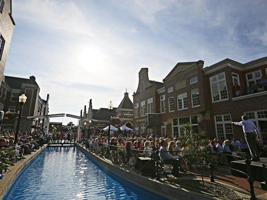 A view of Molengracht plaza in Pella.