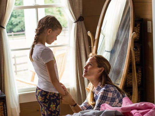 """Jennifer Garner and Kylie Rogers star in """"Miracles From Heaven"""