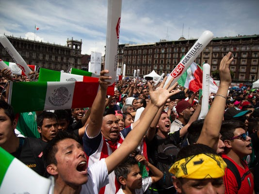 Mexico_Soccer_WCup_Fans_72509.jpg