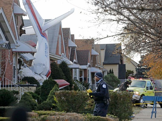 Chicago Plane Into Home