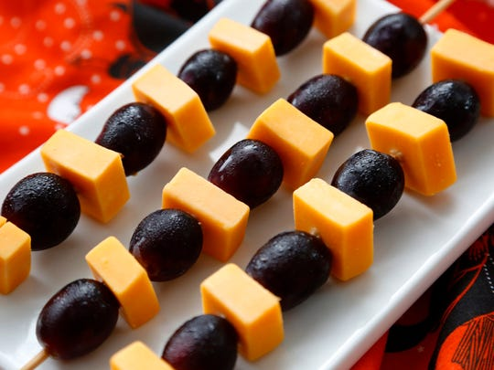 Healthy Halloween foods - Black and Orange Skewers.