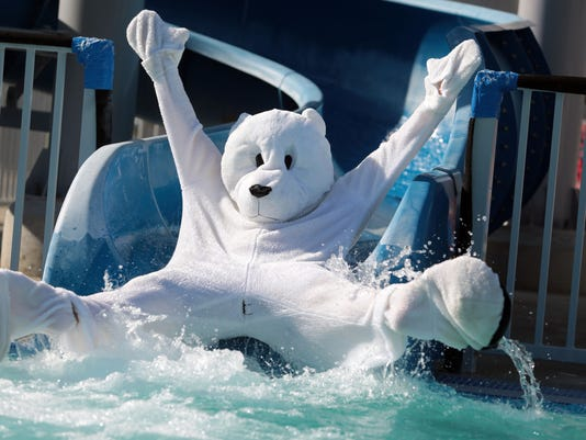 Polar Bear Plunge, Palm Desert Aquatic Center