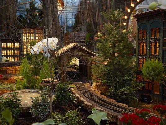 Meijer Gardens celebrates the holidays