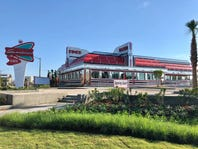 Sunliner Diner and Picnic Beach restaurants open in Gulf Shores