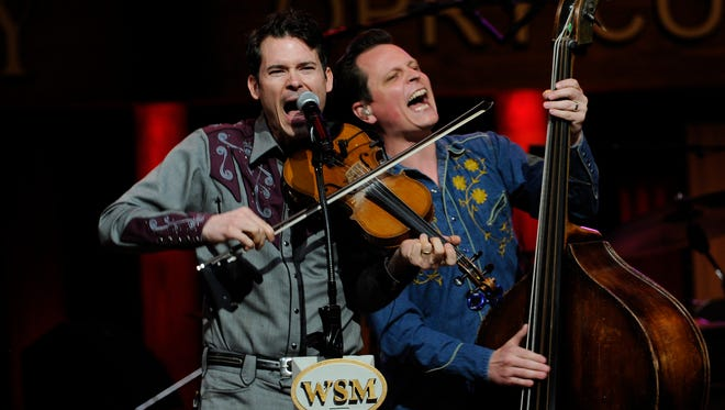 Ketch Secor and Morgan Jahnig of Old Crow Medicine Show perform at the Grand Ole Opry March 24.