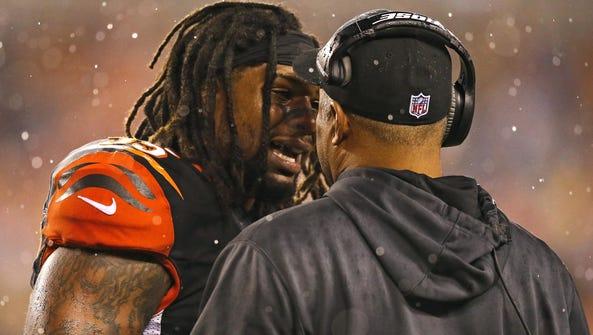 Bengals outside linebacker Vontaze Burfict argues in