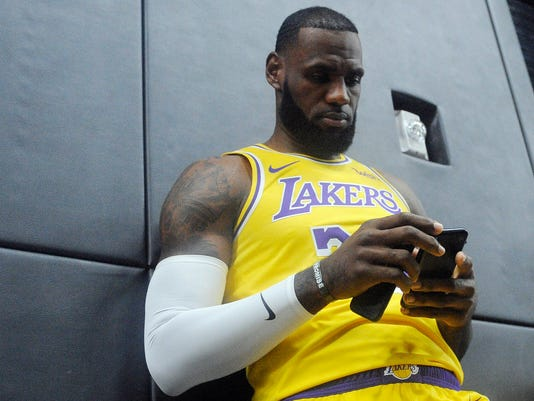 separation shoes cd5b5 be372 Report: LeBron expected to wear Cavs-colored shoes in Lakers ...