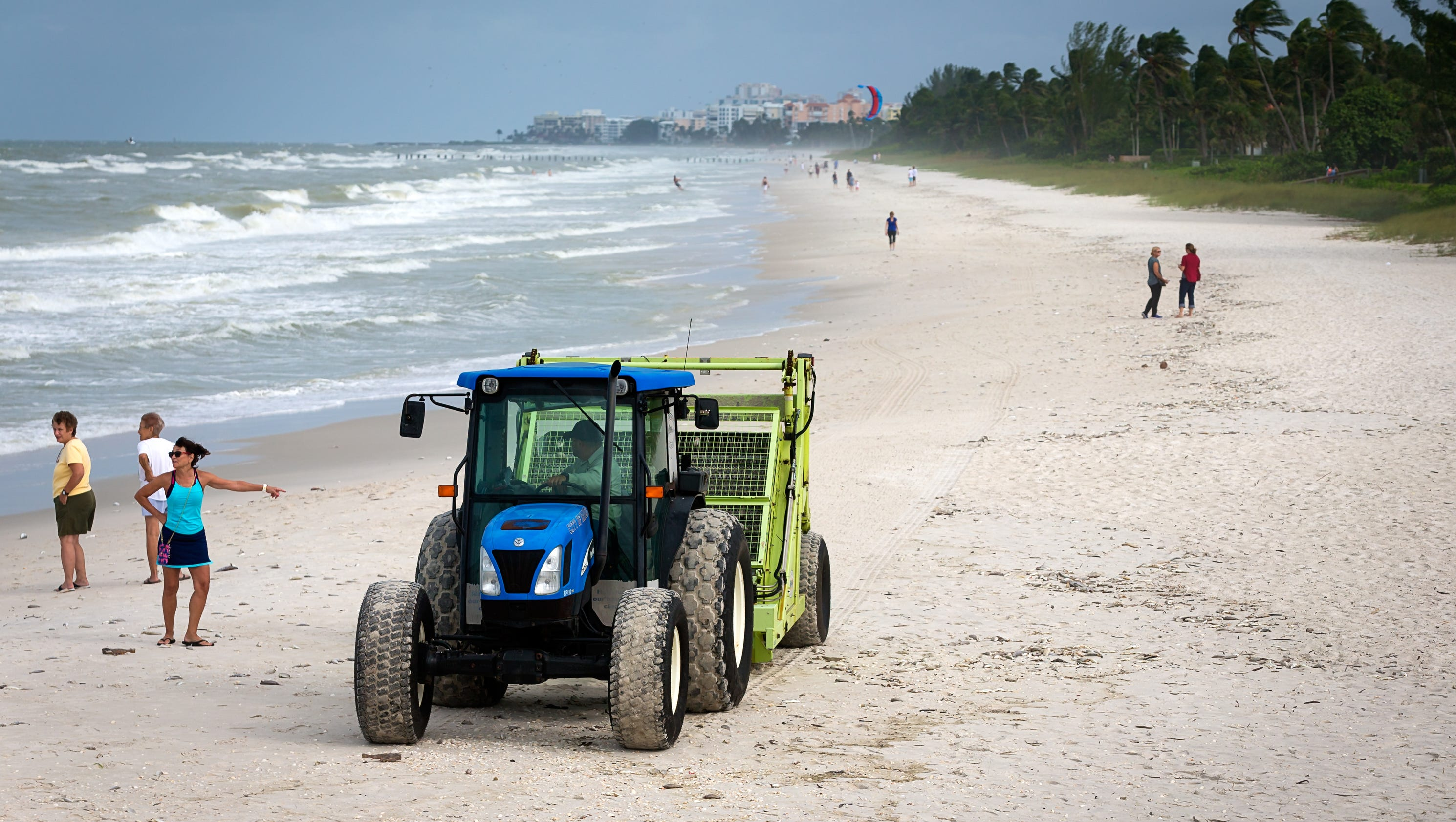Low levels of red tide detected in collier for Naples tides for fishing