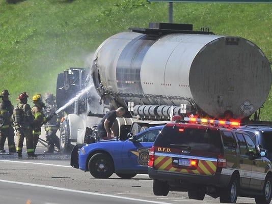 2015-0623-dm-truckfire2