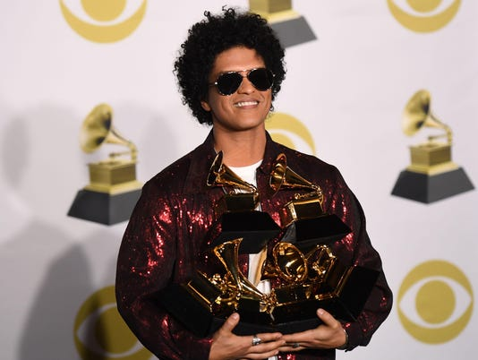 TOPSHOT-US-ENTERTAINMENT-MUSIC-GRAMMY-PRESSROOM