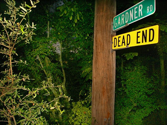 The street sign at the intersection of Gardner and Meridian Roads Wednesday evening July 30, 2008 in Tallahassee, Fla. Rachel Hoffman, a 23-year-old confidential informant for the Tallahassee Police Department, was killed on the road May 7.