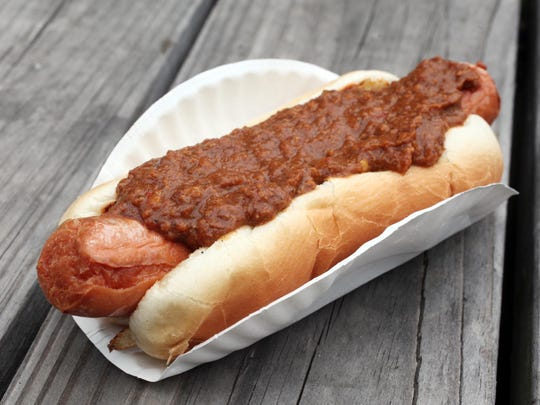 The fried hot dog with chili at Hiram's in Fort Lee.  Hiram's has been serving weiners for generations. LESLIE BARBARO / STAFF PHOTOGRAPHER