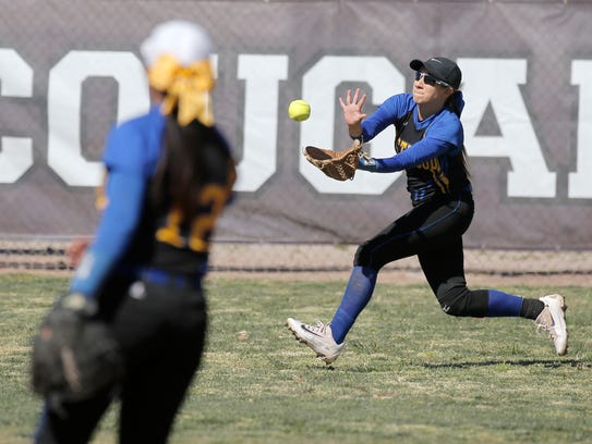 Eastwood center fielder Natalie Benitez sprints to