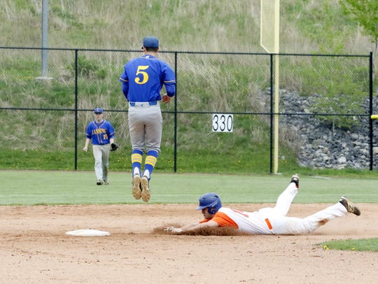 Josh Tryon steals second for Edison during a 2-1 win