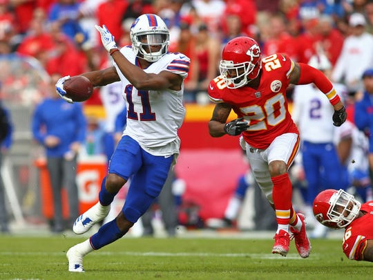 Nov 26, 2017; Kansas City, MO, USA; Buffalo Bills wide receiver Zay Jones (11) runs against Kansas City Chiefs cornerback Steven Nelson (20) in the first half at Arrowhead Stadium. Mandatory Credit: Jay Biggerstaff-USA TODAY Sports