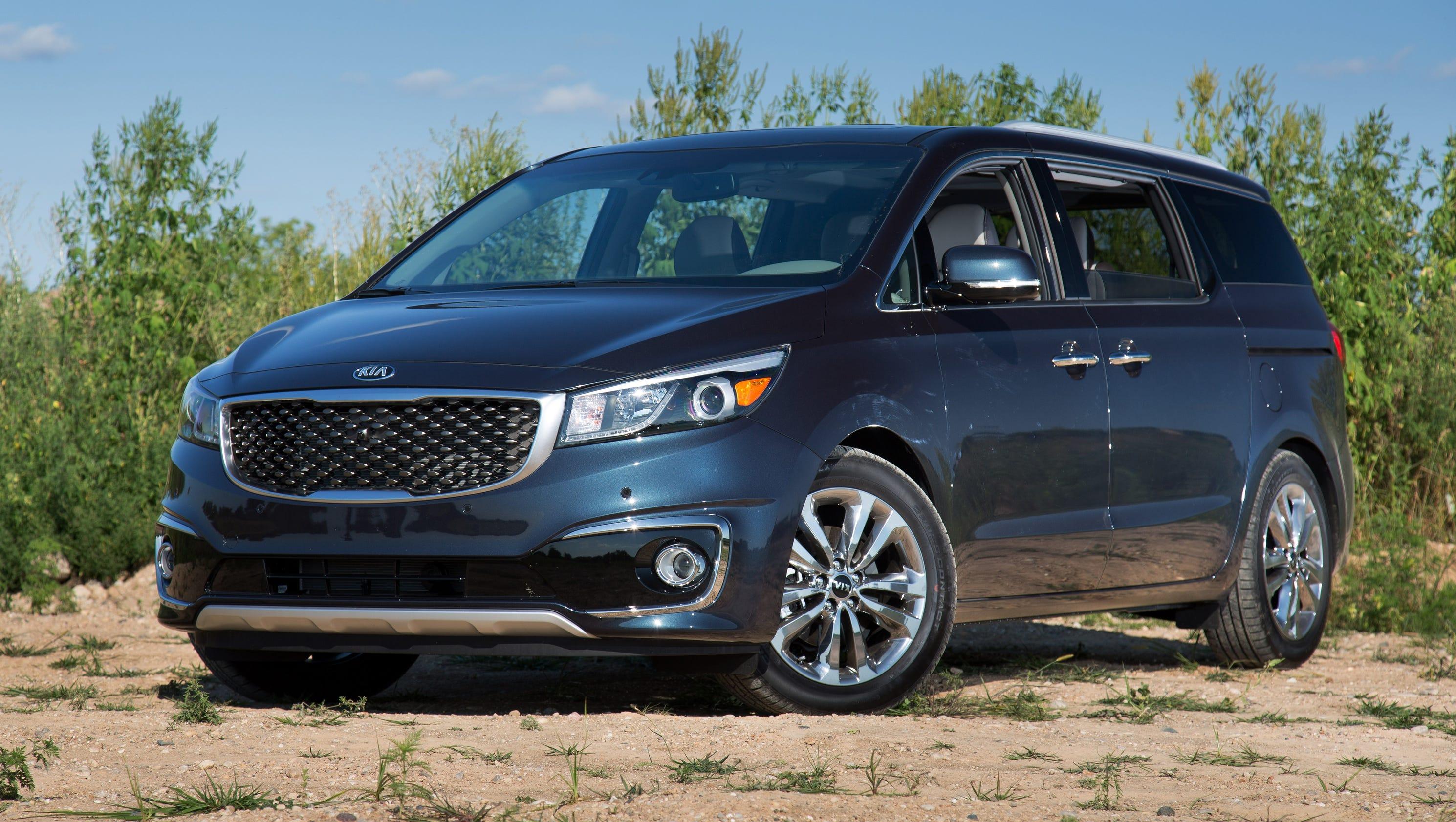 kia rises to top of minivan competition. Black Bedroom Furniture Sets. Home Design Ideas