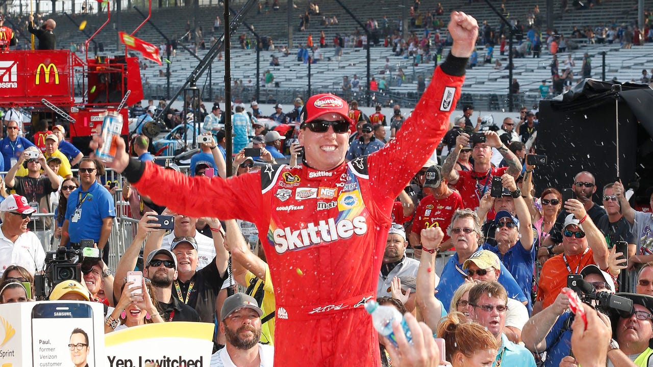 USA TODAY Sports' Jeff Gluck breaks down the Brickyard 400, where Kyle Busch won for the second straight year and Tony Stewart and Jeff Gordon shared an emotional final lap.