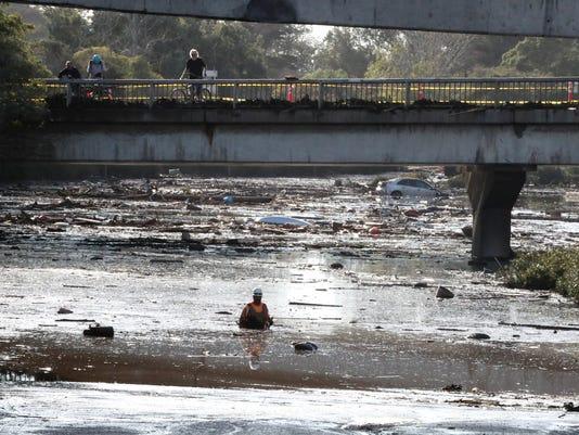 EPA USA CALIFORNIA WEATHER RAIN AND MUD DIS METEOROLOGICAL DISASTER USA CA