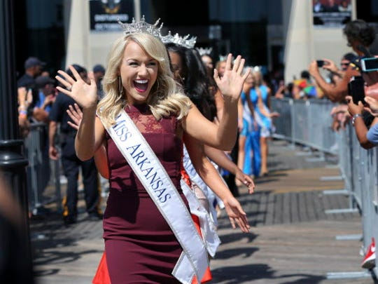 Miss Arkansas, Savvy Shields waves during Miss America