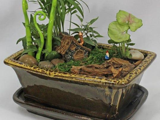 FRM garden cal 0124