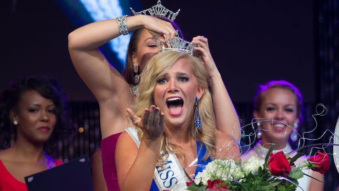 Amanda Debus, Miss First State is crowned the new Miss Delaware at the Miss Delaware Pageant at Dover Downs Hotel and Casino in Dover, Del.