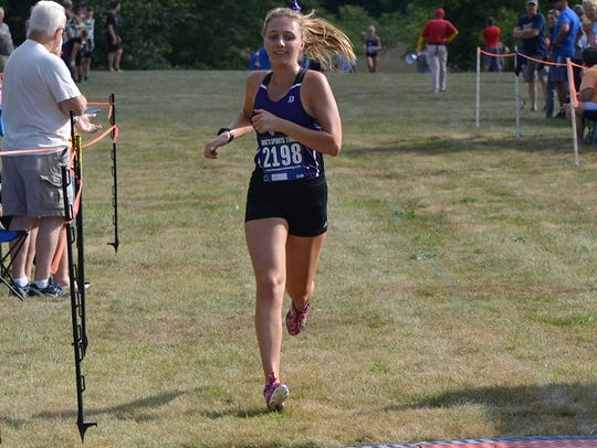 Lakeview's  Maggie Wood finishes first in the 2017