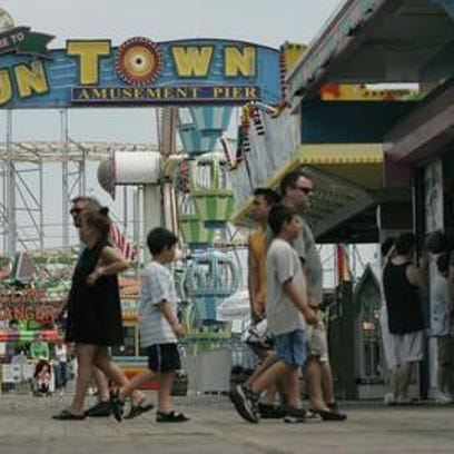 Funtown Pier in the summer of 2006.
