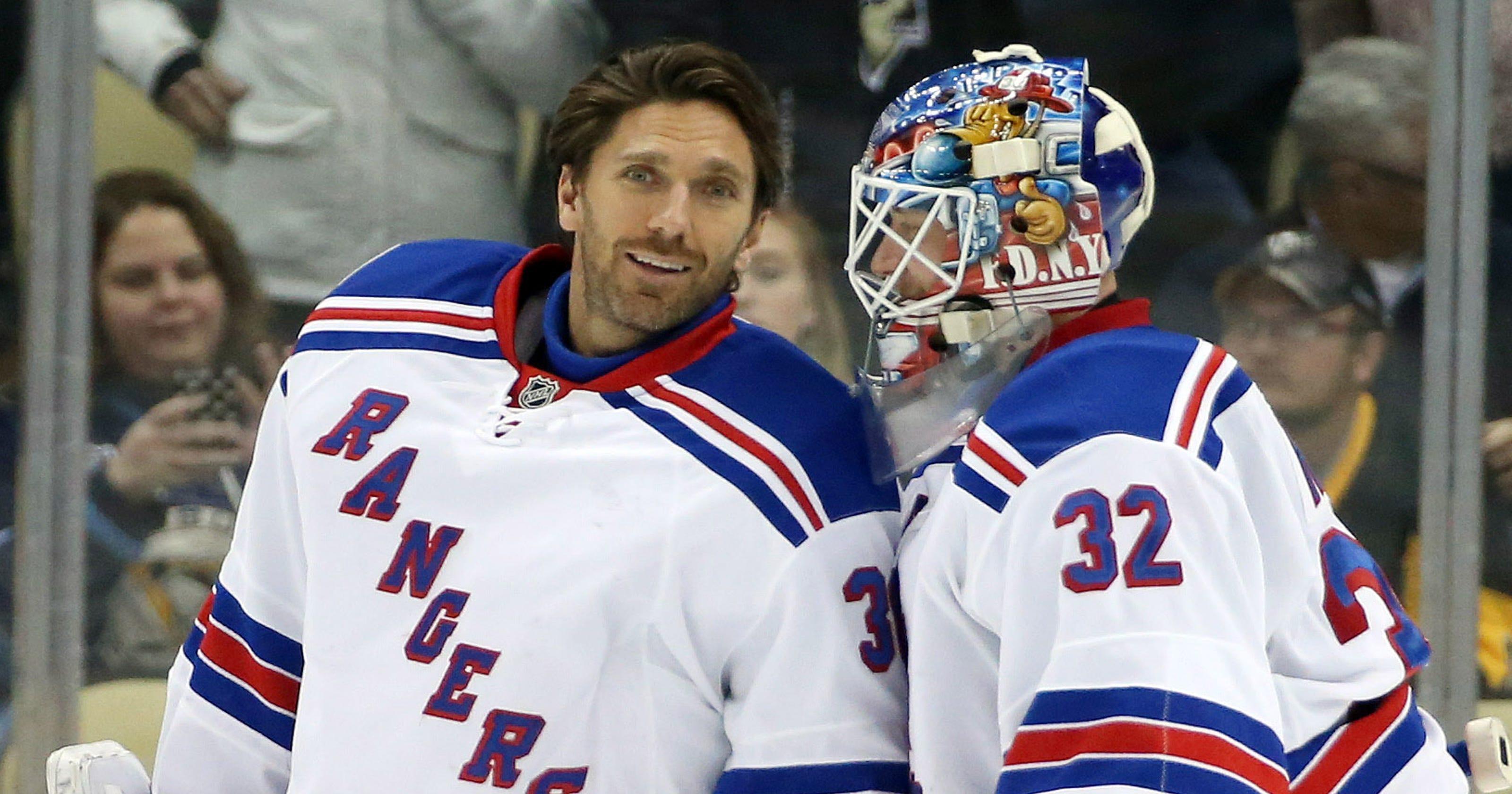 dcff53b8518 No controversy  Rangers throne is still Henrik Lundqvist s